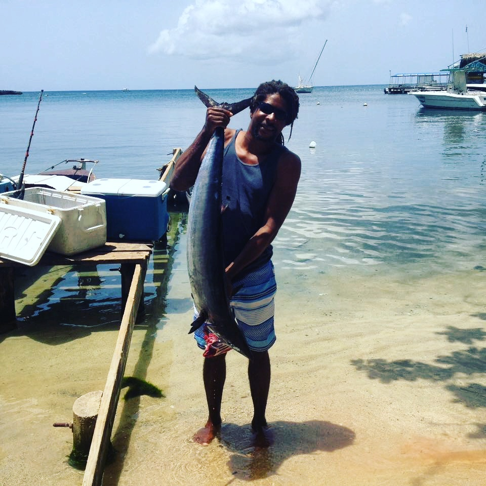 roatan honduras deep sea fishing